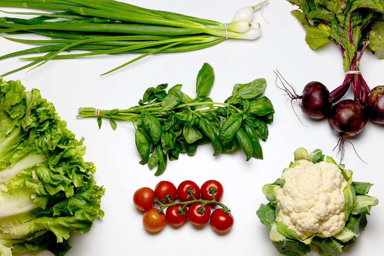 een overzichtsfoto van biologische groente uit het basispakket van Kievit