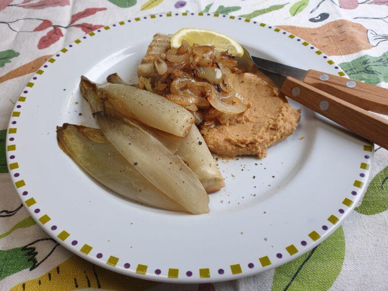 Thumbnail voor het recept: Gekarameliseerde witlof met bonenpuree en witvis