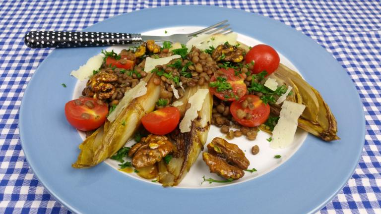 Thumbnail voor het recept: Witlof met linzen en honingnoten
