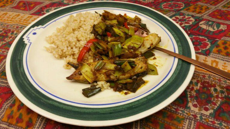 Thumbnail voor het recept: Boemboe van makreel met prei en paprika