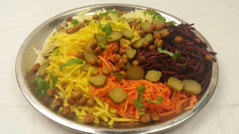 Thumbnail voor het recept: Wortelsalade met knapperige kikkererwten