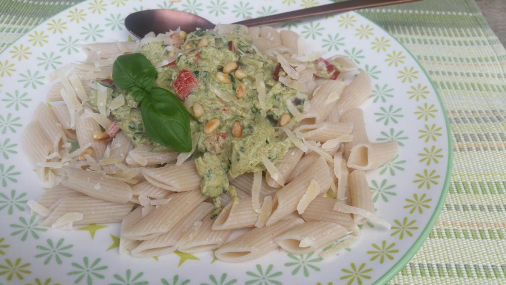 Supersnelle pasta met groene courgettesaus