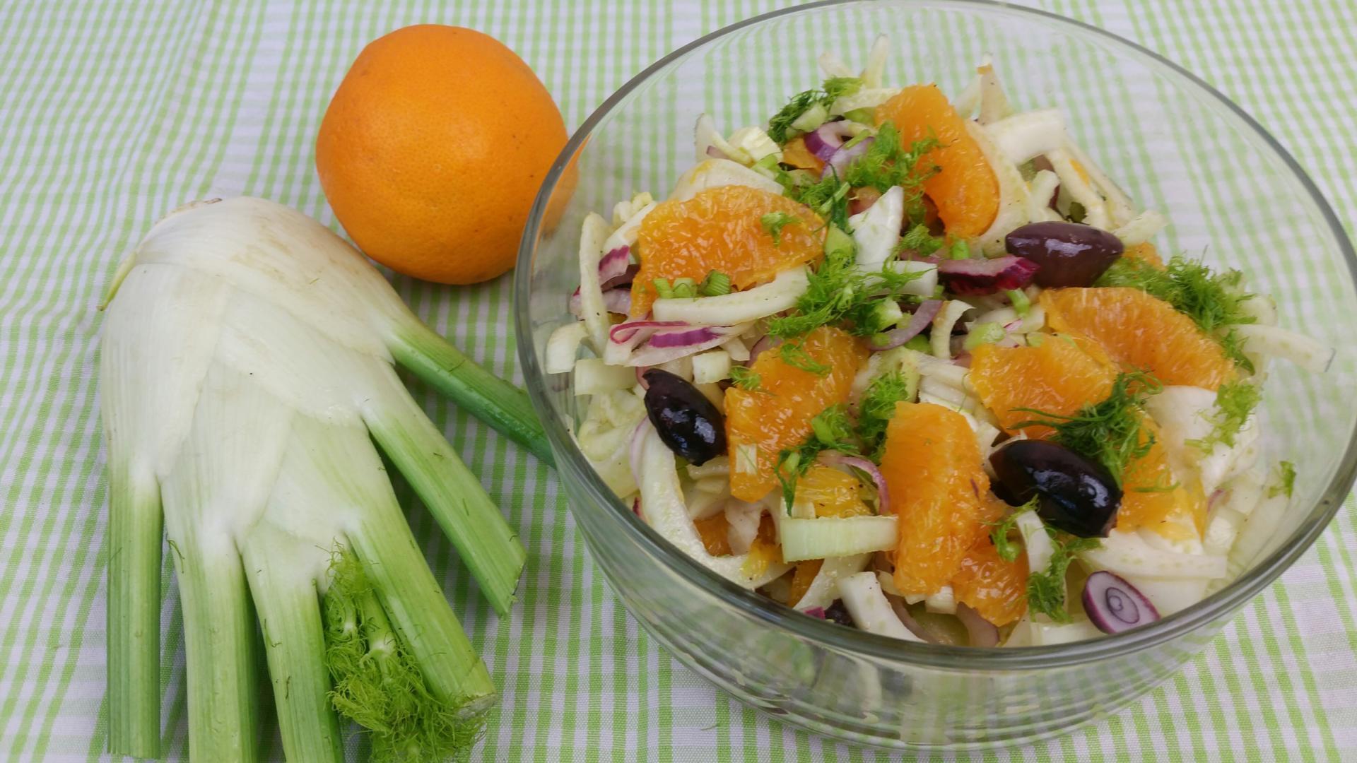 Uitgelichte foto voor het bericht Venkelsalade met sinaasappel en olijven