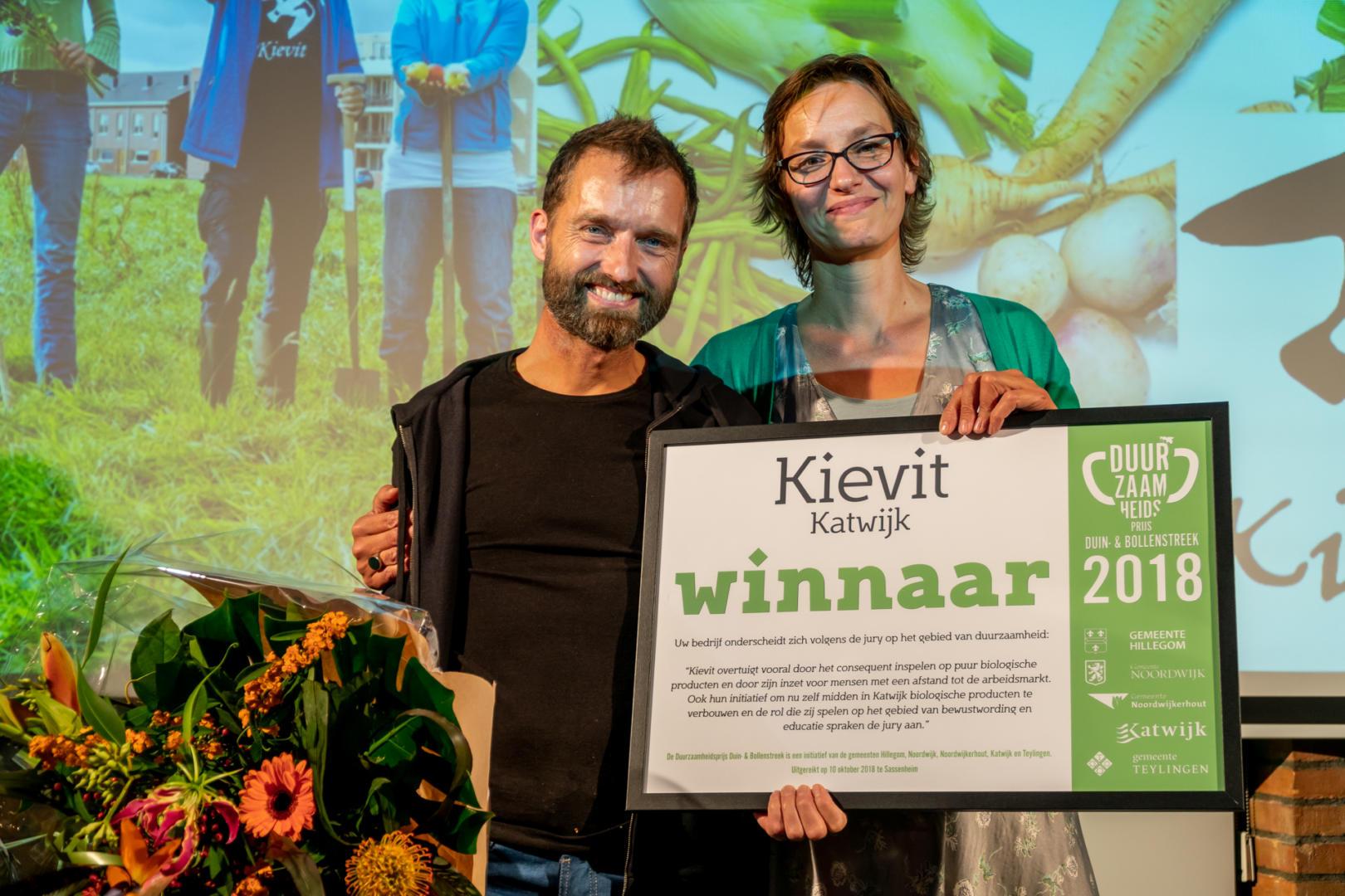 Kievit wint Duurzaamheidsprijs Duin-& Bollenstreek 2018, Sebastiaan Bos en Geke Lanjouw