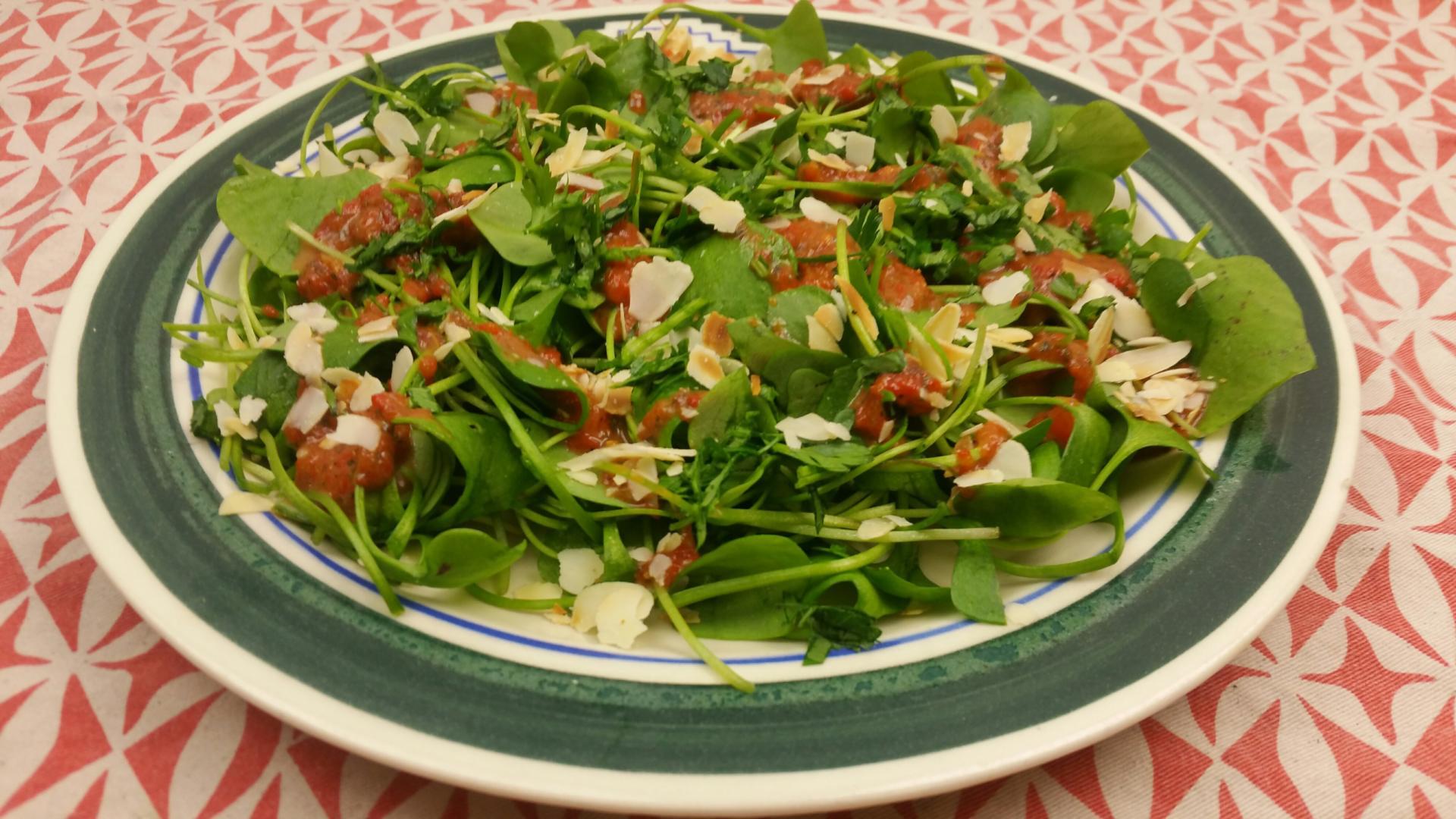 Winterpostelein salade met paprika dressing