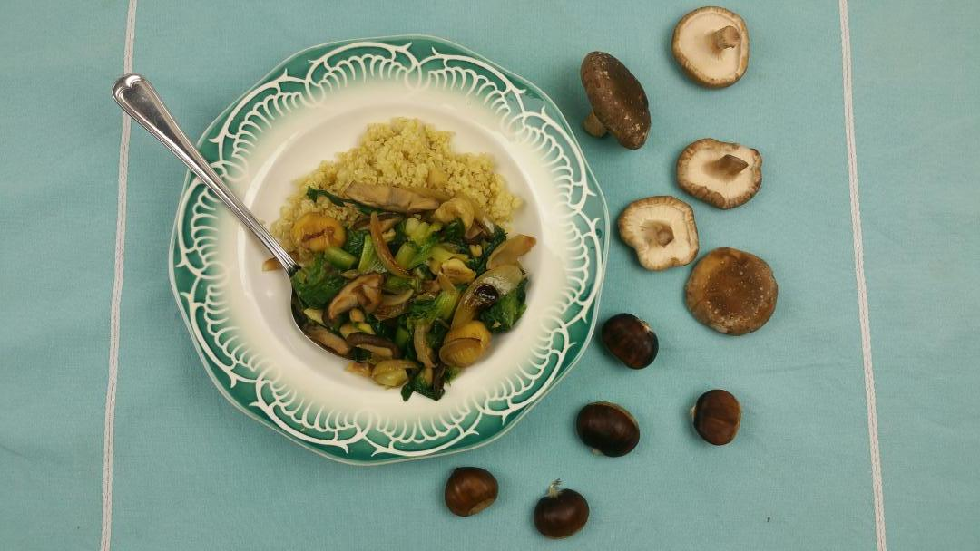 Uitgelichte foto voor het bericht Andijvie met kastanjes en shiitake