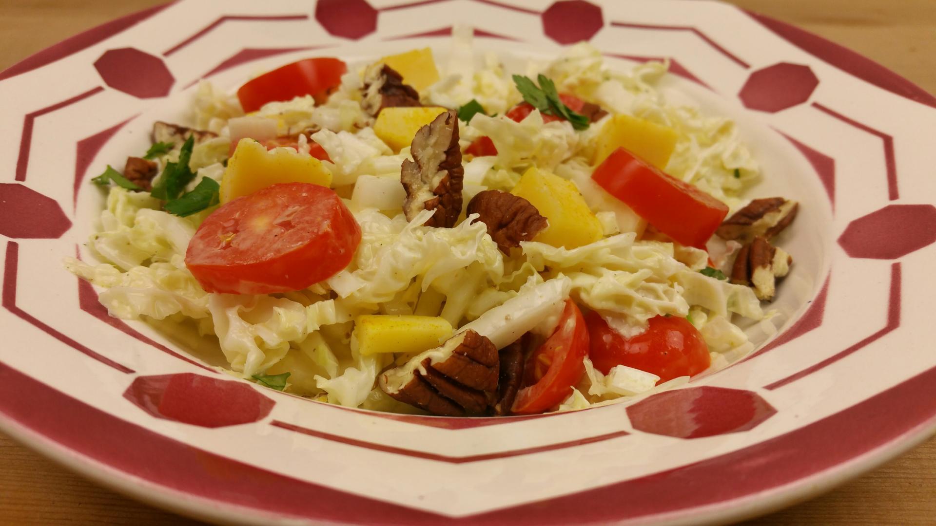 Uitgelichte foto voor het bericht Salade met cheddar en tomaatjes