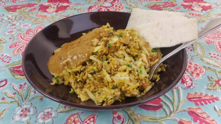 Thumbnail voor het recept: Winterse nasi met knolselderij, prei en Chinese kool