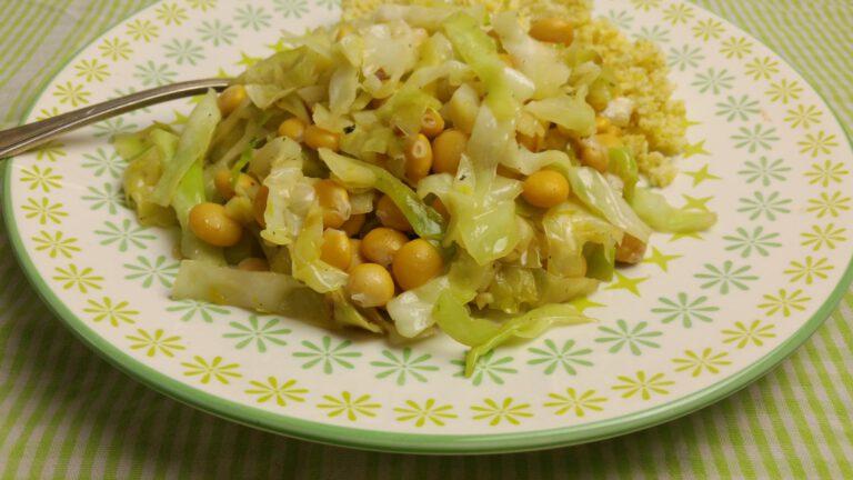 Thumbnail voor het recept: Spitskool met citroen en bonen