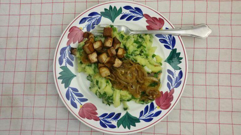 Thumbnail voor het recept: Paksoistamppot met uienjus