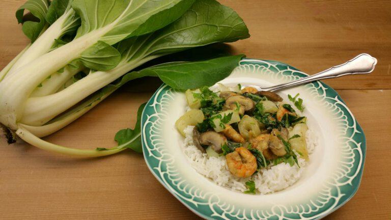 Thumbnail voor het recept: Thaise curry met paksoi, champignons en garnalen