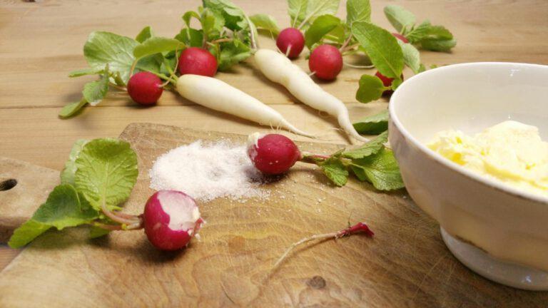 Thumbnail voor het recept: Radijs met boter en zout