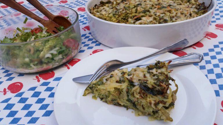 Thumbnail voor het recept: Aardappel-andijvietaart met gehakt en kaas