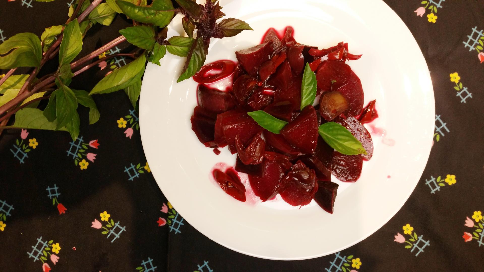 bietjes met peper en thaise basilicum