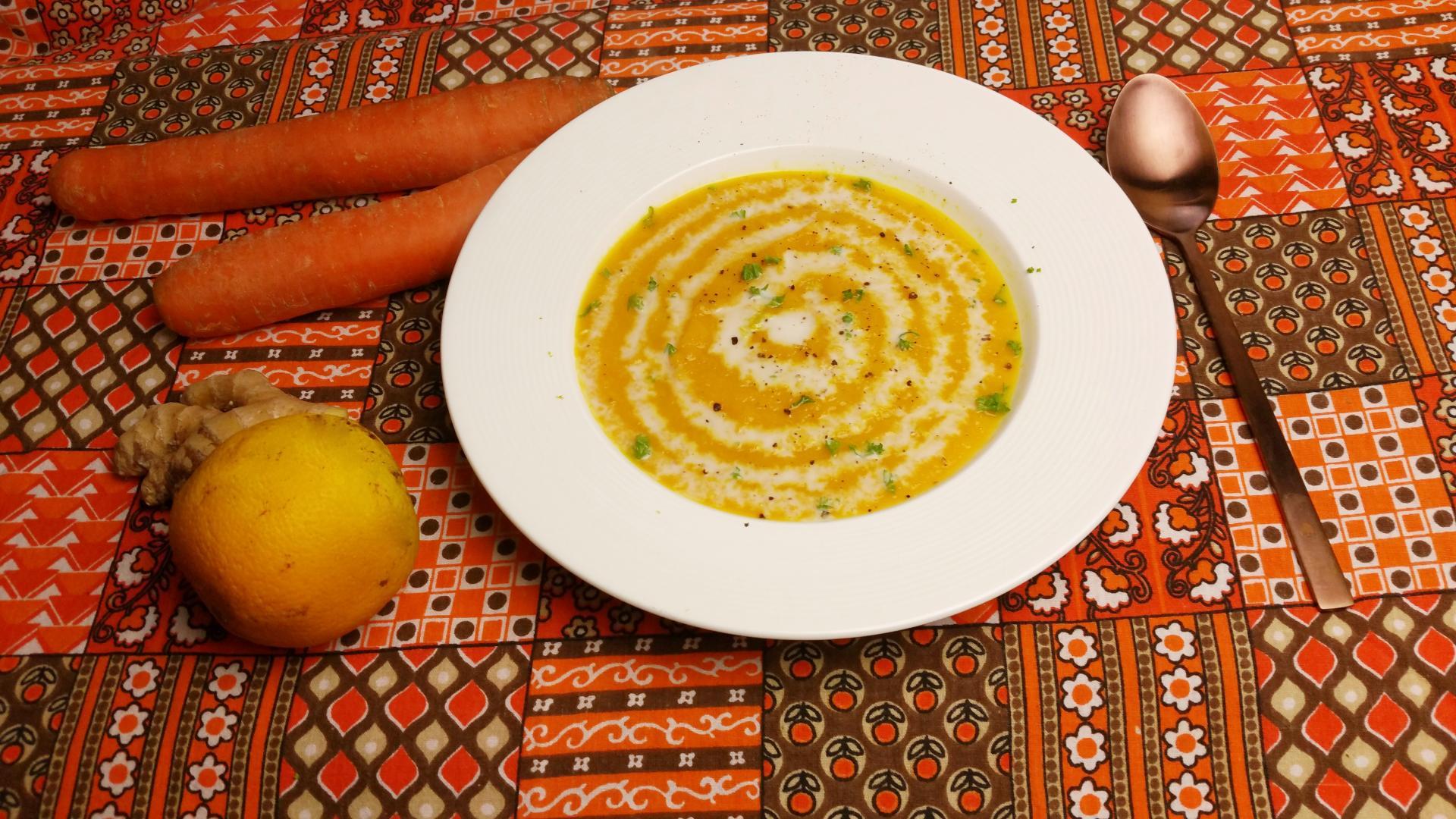 Uitgelichte foto voor het bericht Wortelsoep met sinaasappel en gember