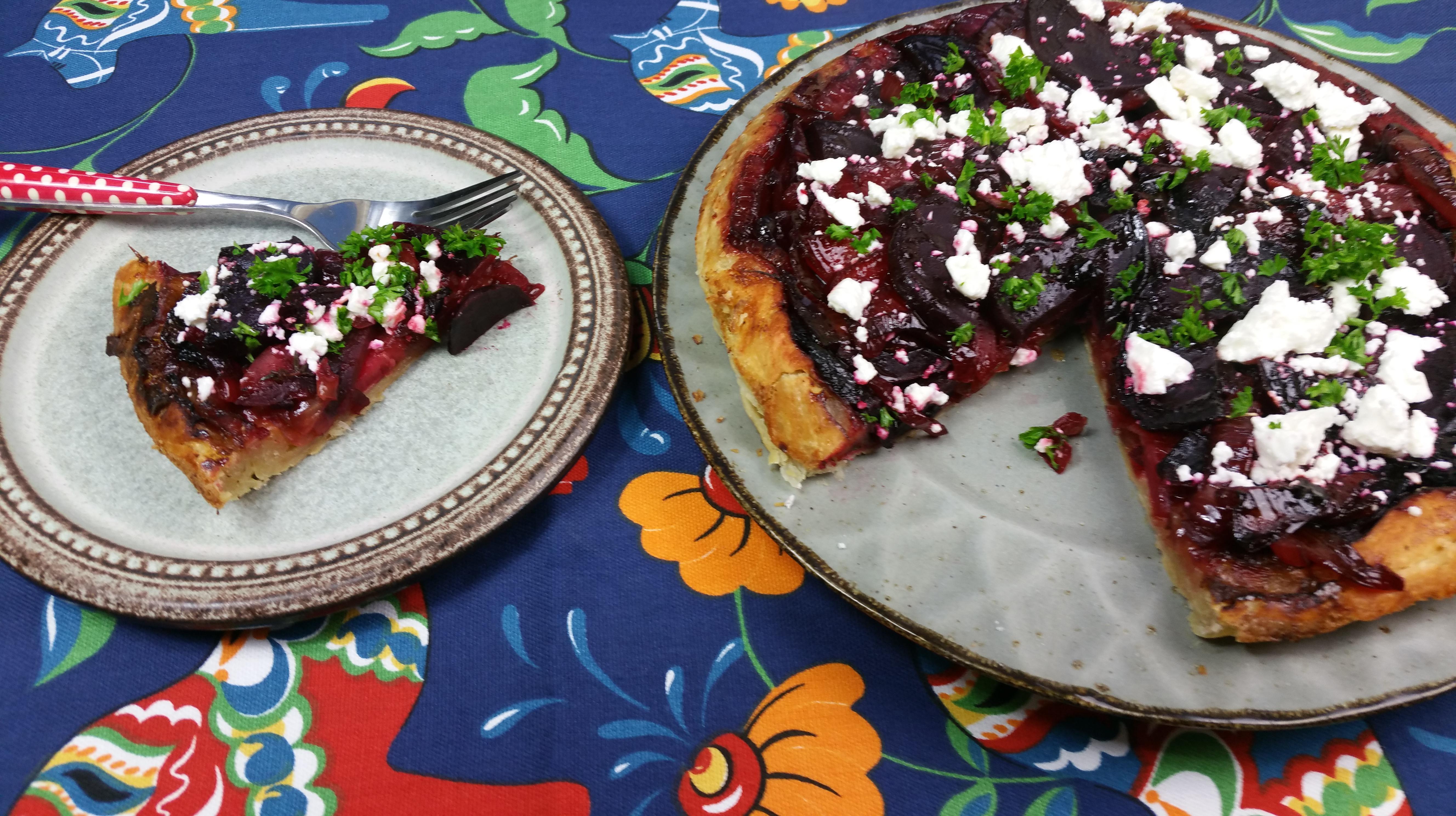 Uitgelichte foto voor het bericht Bieten tarte-tatin met uien
