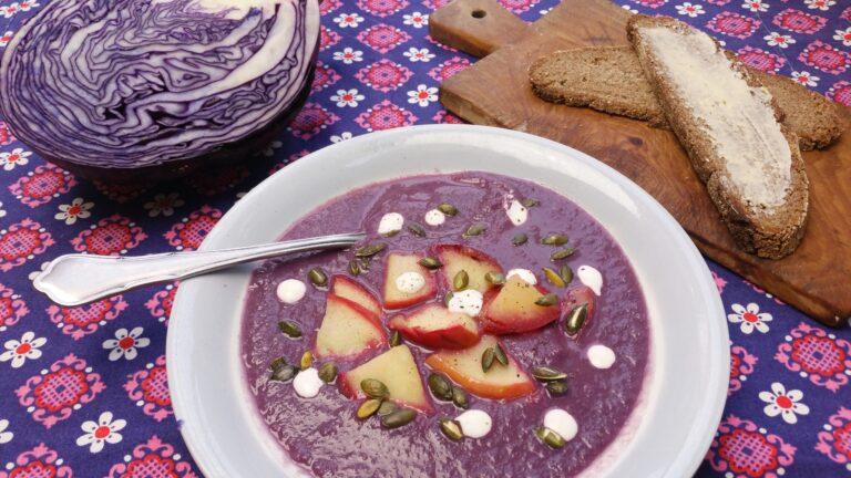 Thumbnail voor het recept: Rode kool soep