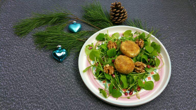 Thumbnail voor het recept: Kerstsalade met gebakken geitenkaasjes en granaatappel