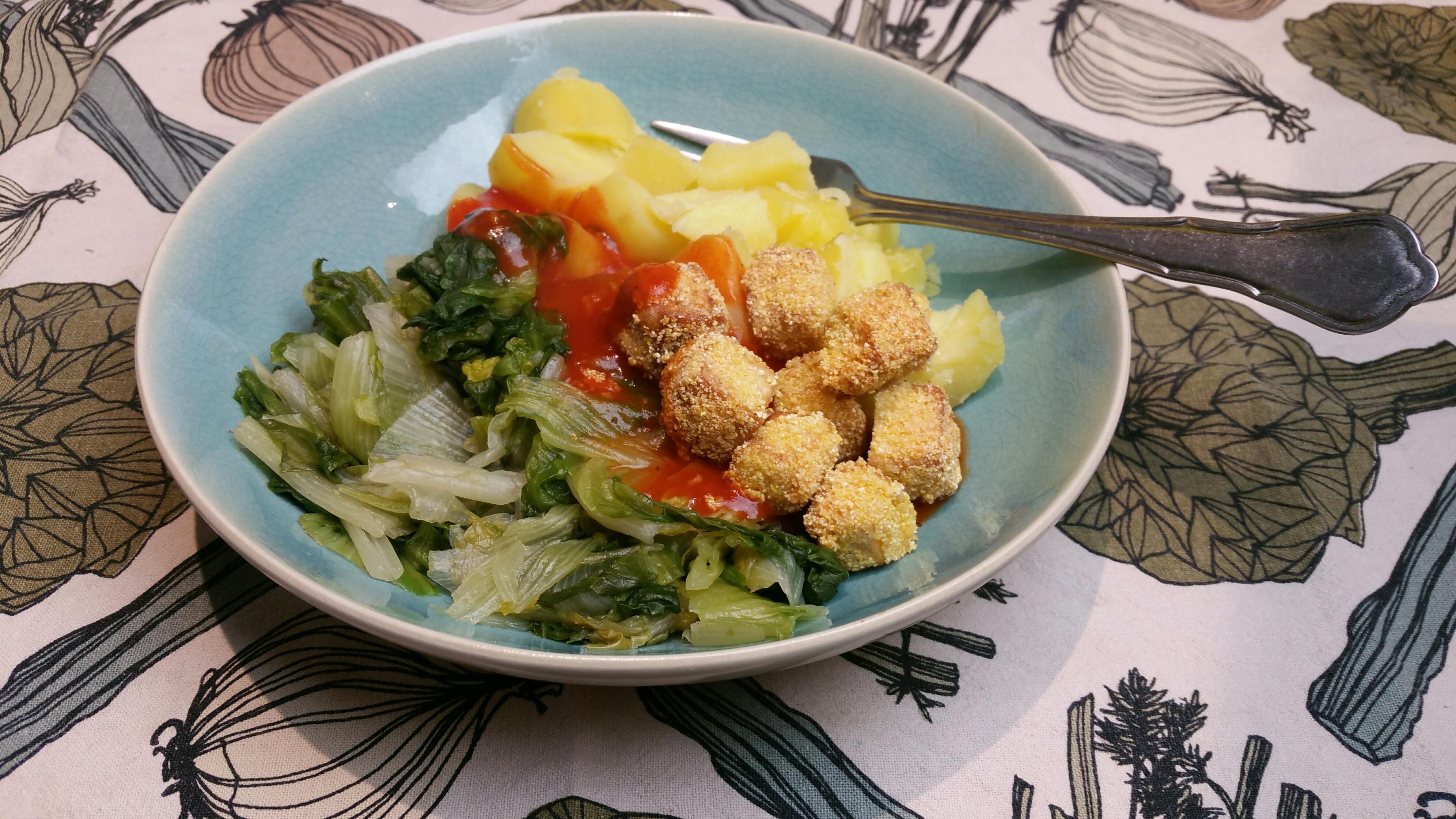 gebakken tofu met gestoofde andijvie en tomatensaus