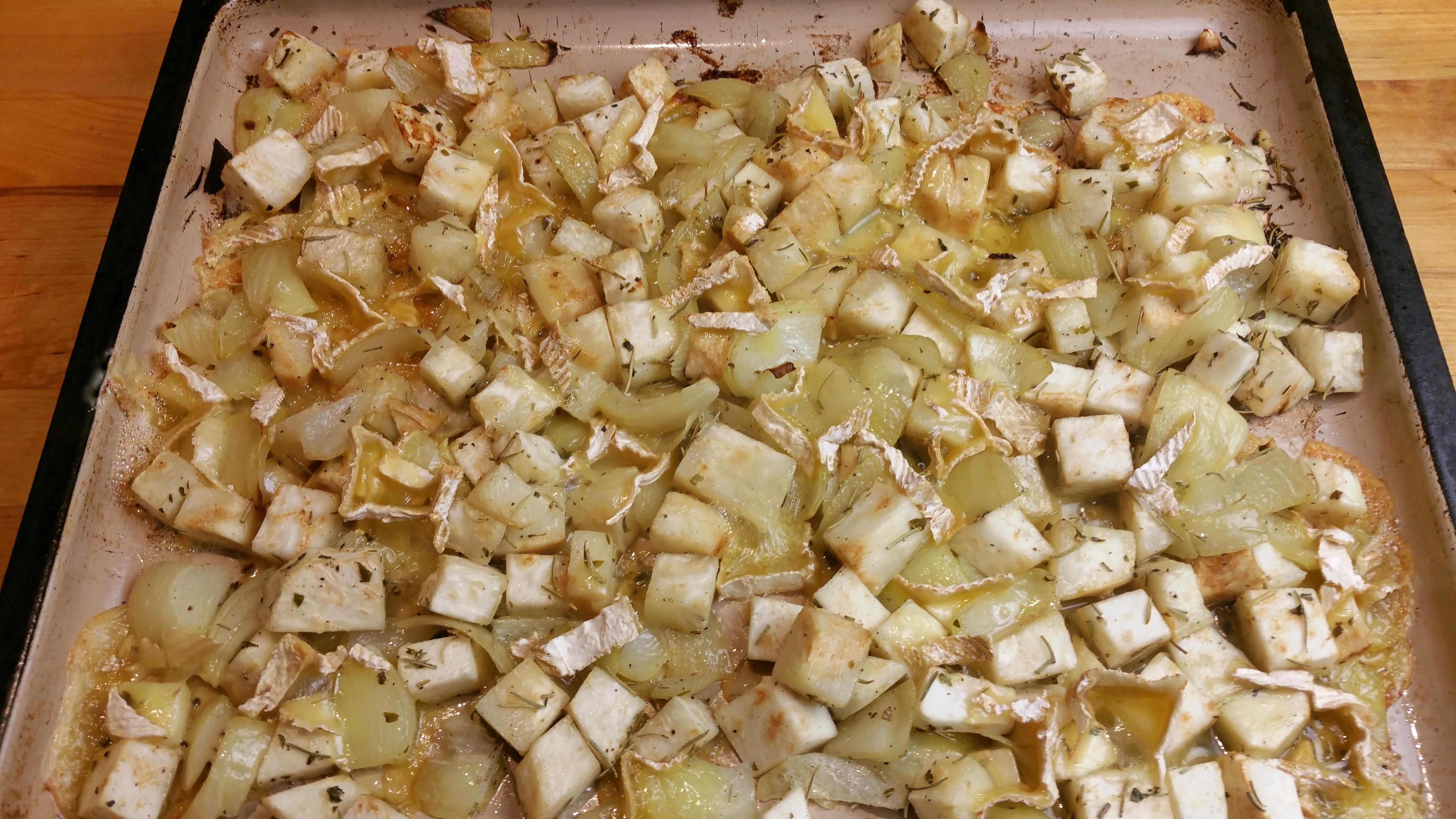 Knolselderij uit de oven met ui en kaas