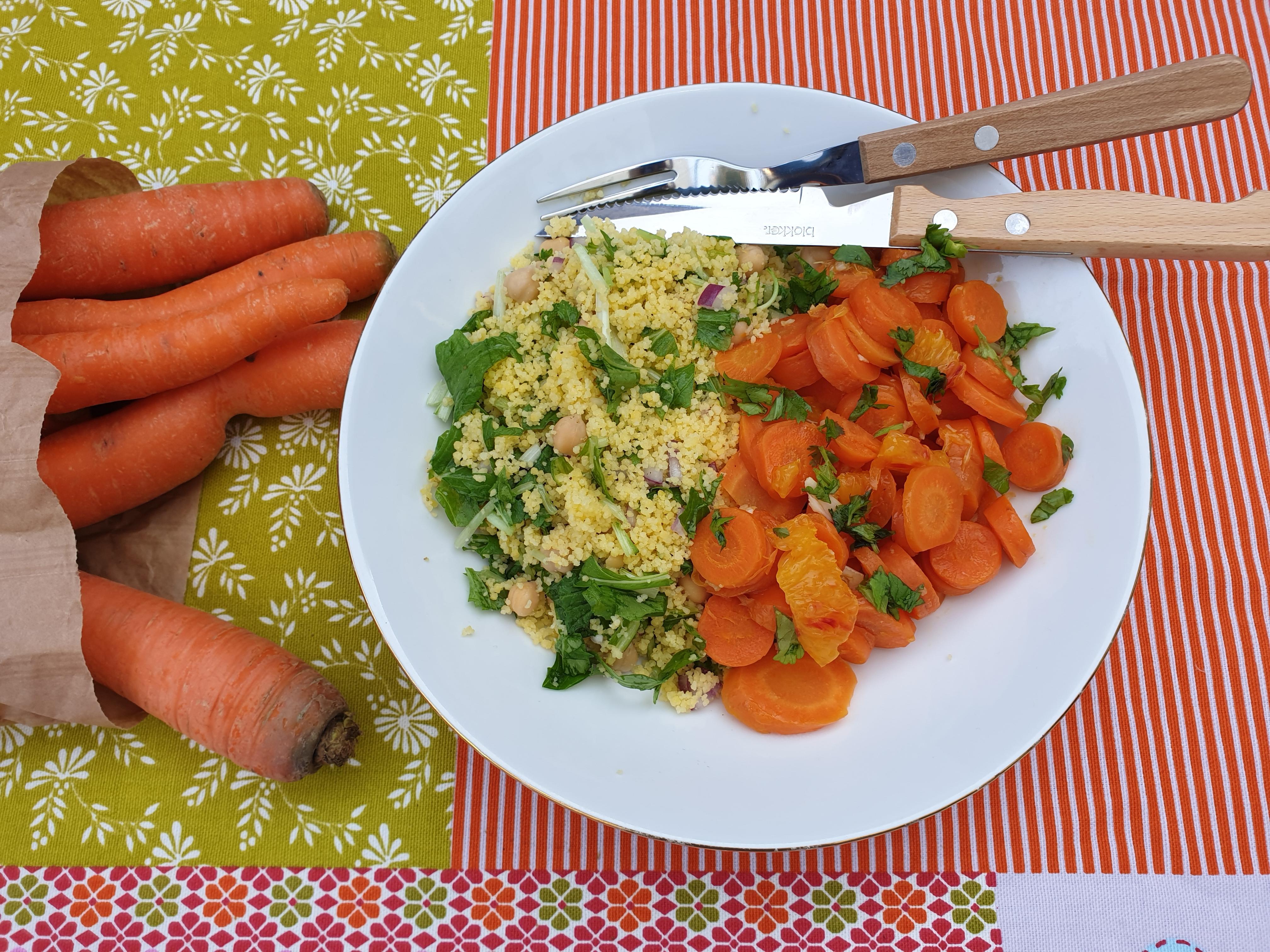 Uitgelichte foto voor het bericht Geroerbakte wortel met koriander en sinaasappel