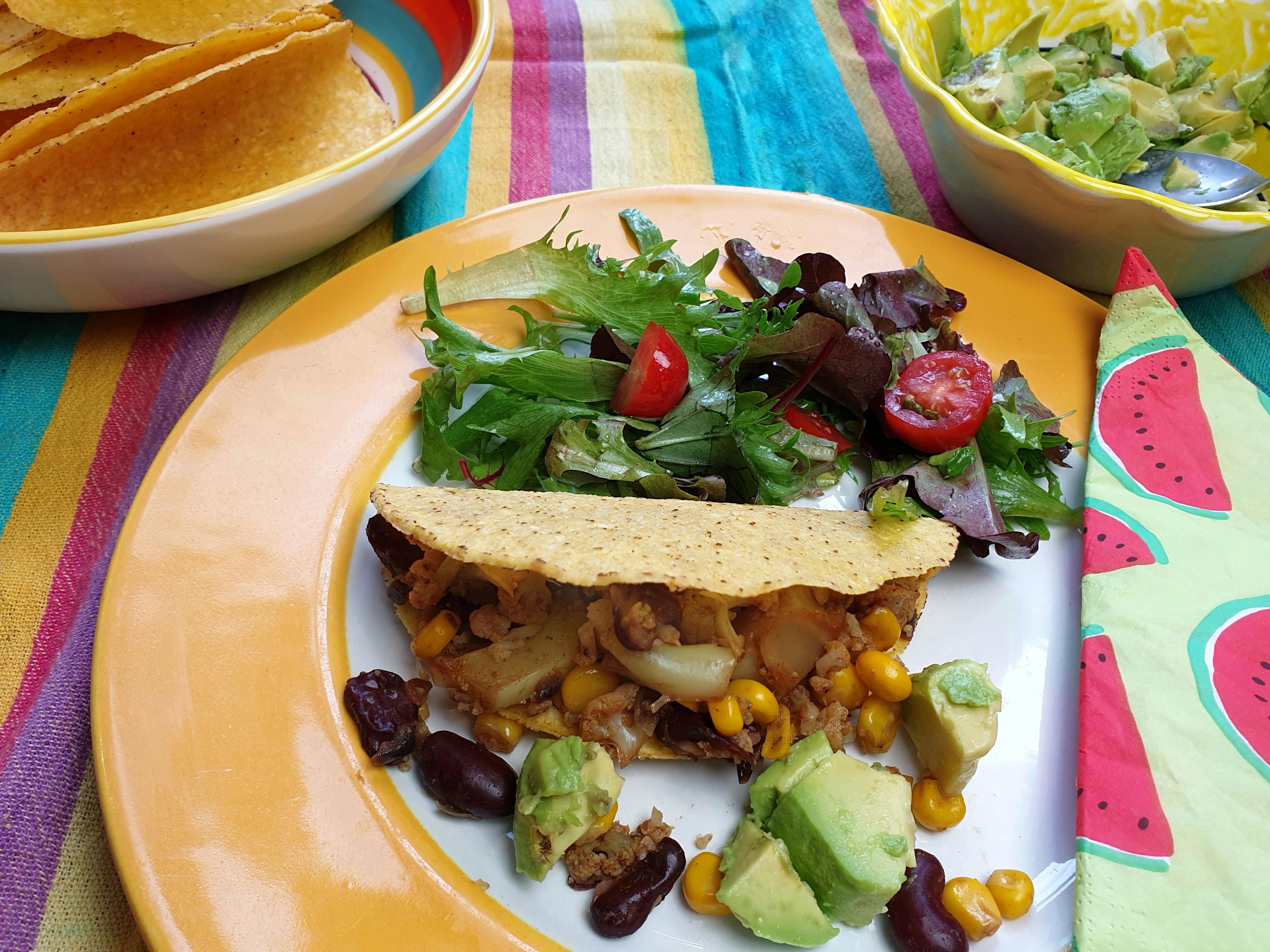 Taco's met bloemkool, bonen en mais