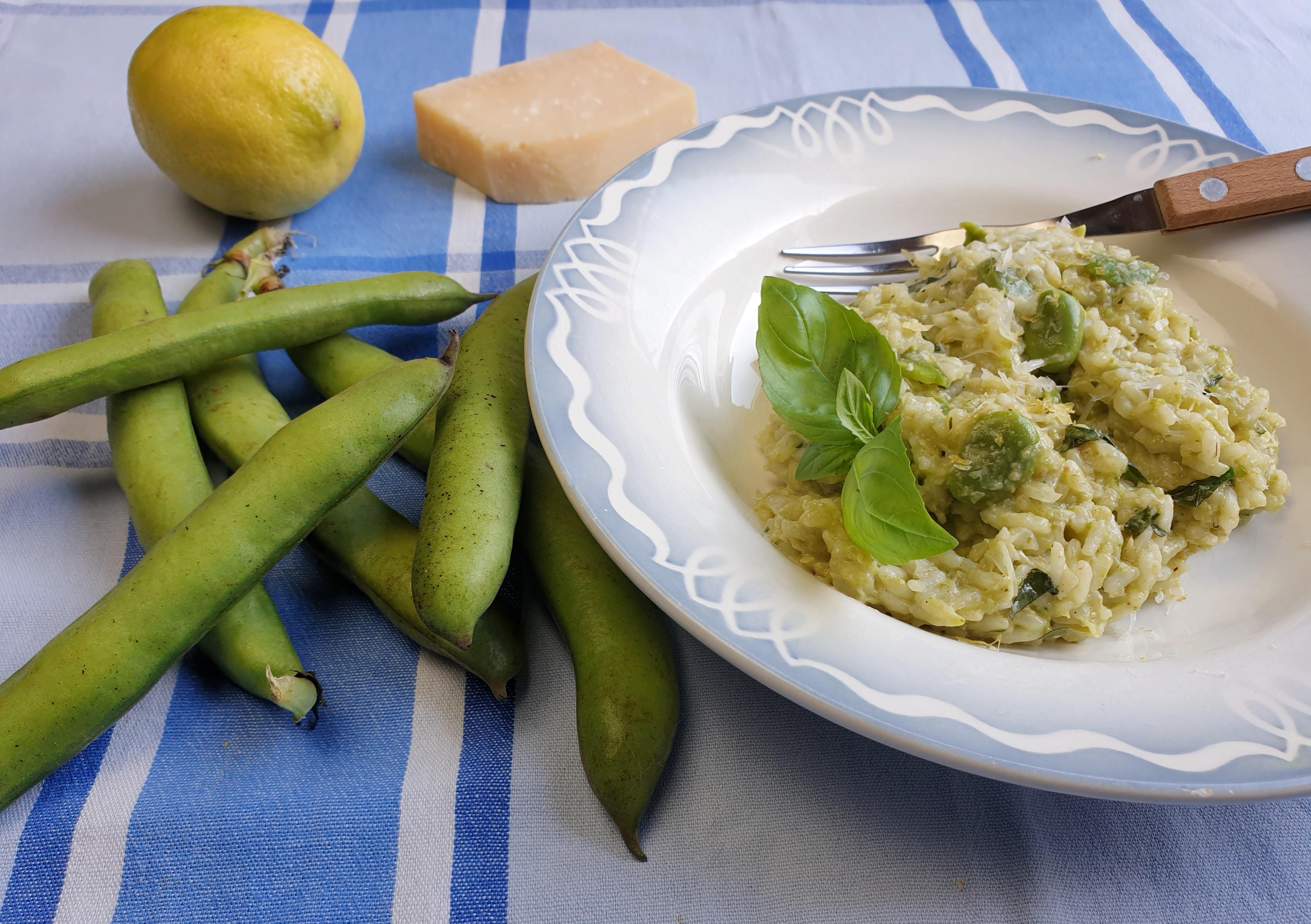 Uitgelichte foto voor het bericht Risotto met tuinbonen, basilicum en citroen