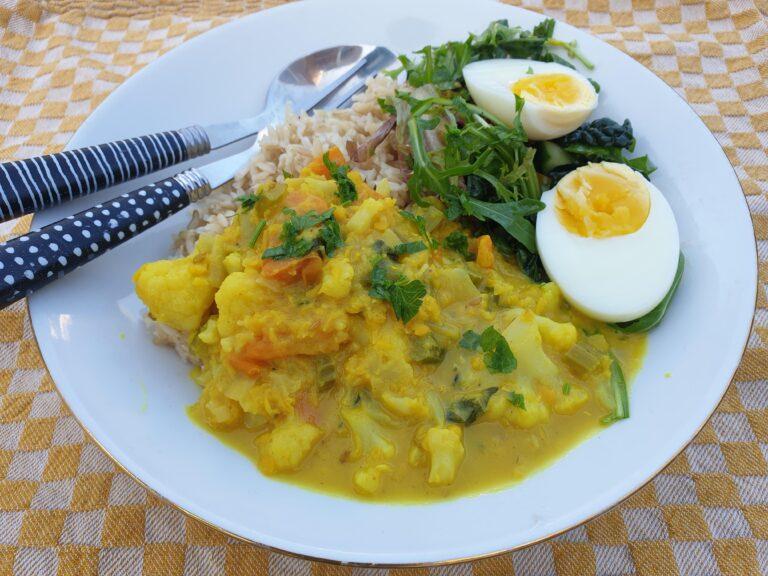 Thumbnail voor het recept: Bloemkool curry met rode linzen